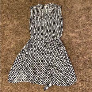 Gap dress size L. Tie waist, size